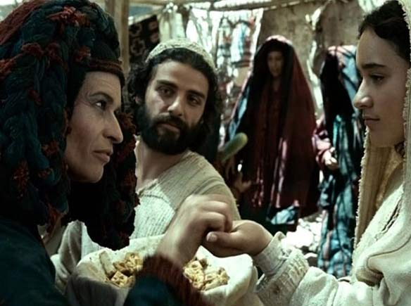 THE NATIVITY STORY – ES BEGAB SICH ABER ZU DER ZEIT - Gabrielle Scharnitzky as SHYLA and Oscar Isaac