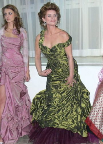 ASHION FOR CHARITY; Berlin October 2006 - Gabrielle Scharnitzky dressed by Nanna Kuckuck ©aedt.de