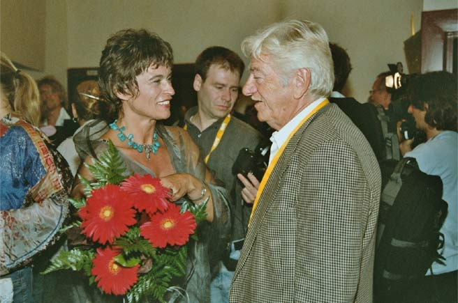 INDEPENDENT FILM FESTIVAL Oldenburg 8. September 2004 - Congratulations by Seymour Cassel (President of the Jury)